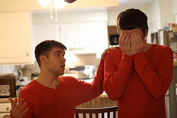 Froggy Fresh Unveils Catchy New Christmas Song 5dvHfFmd