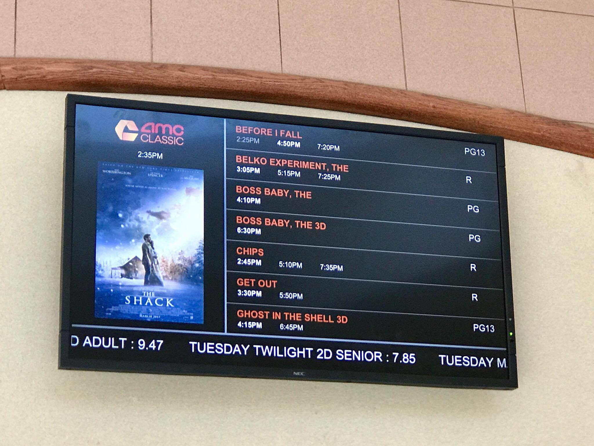 mall theater getting updated AMC logos