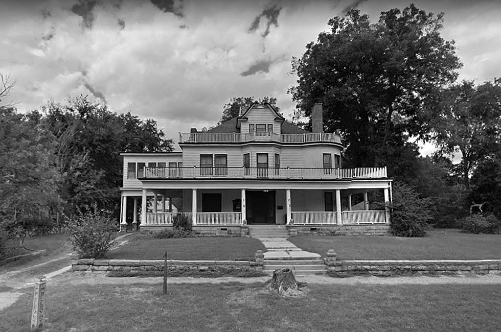 Bed and Breakfast That Used to Be a Funeral Parlor is the Stuff of Nightmares